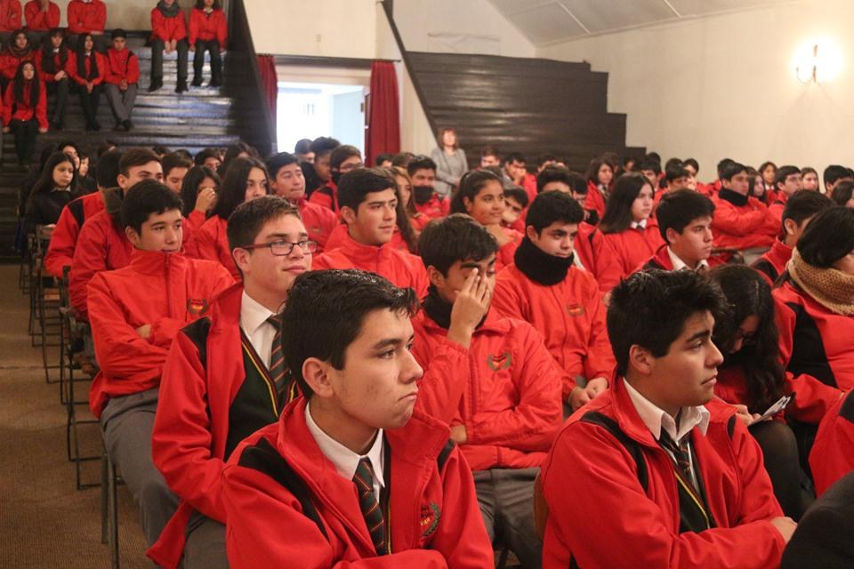 Presidente de la Corte  de Rancagua dictó charla  sobre la Ley de Responsabilidad Adolescente  a estudiantes
