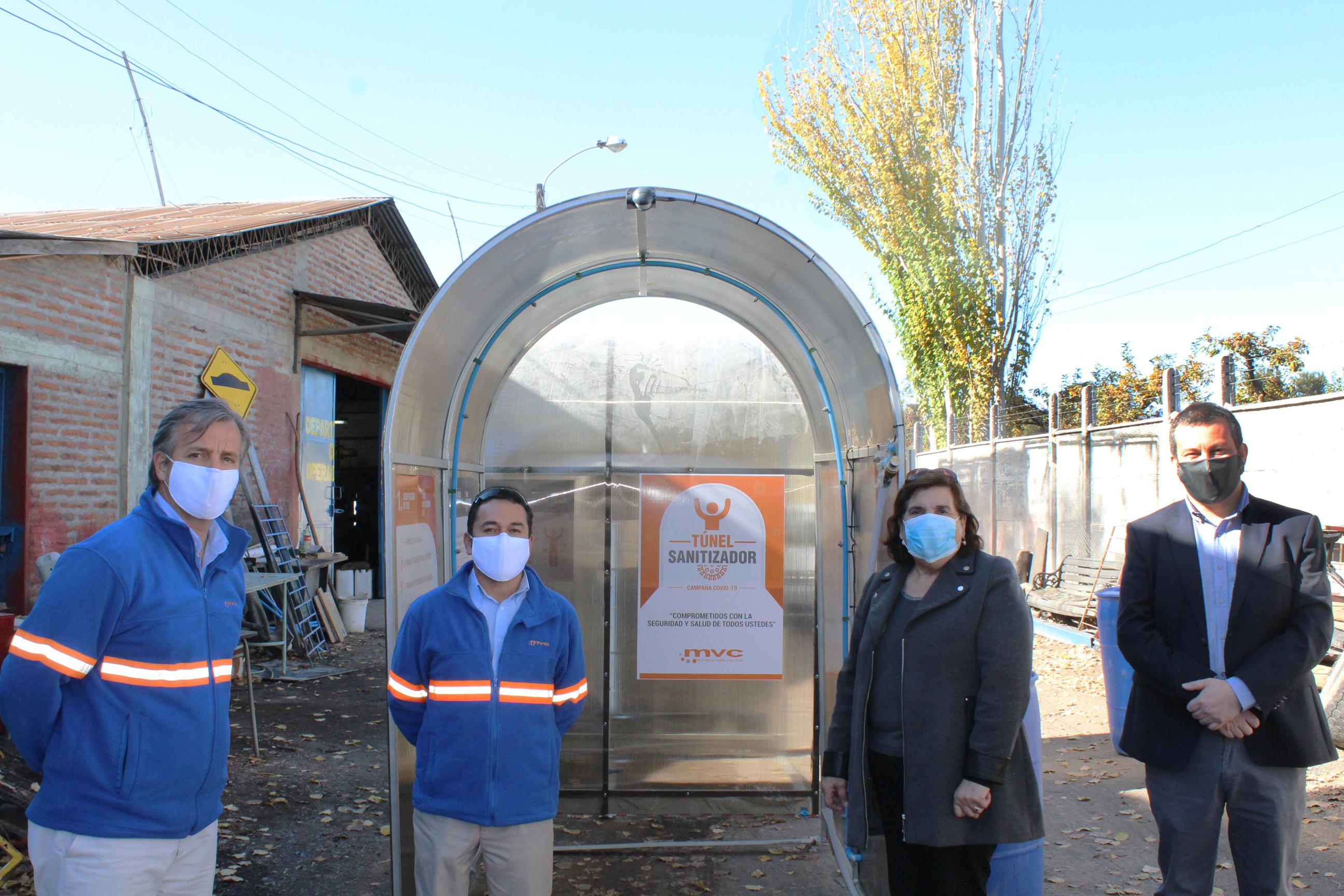 Municipalidad de Olivar recibe donación de  dos túneles sanitarios  por parte de Minera Valle Central