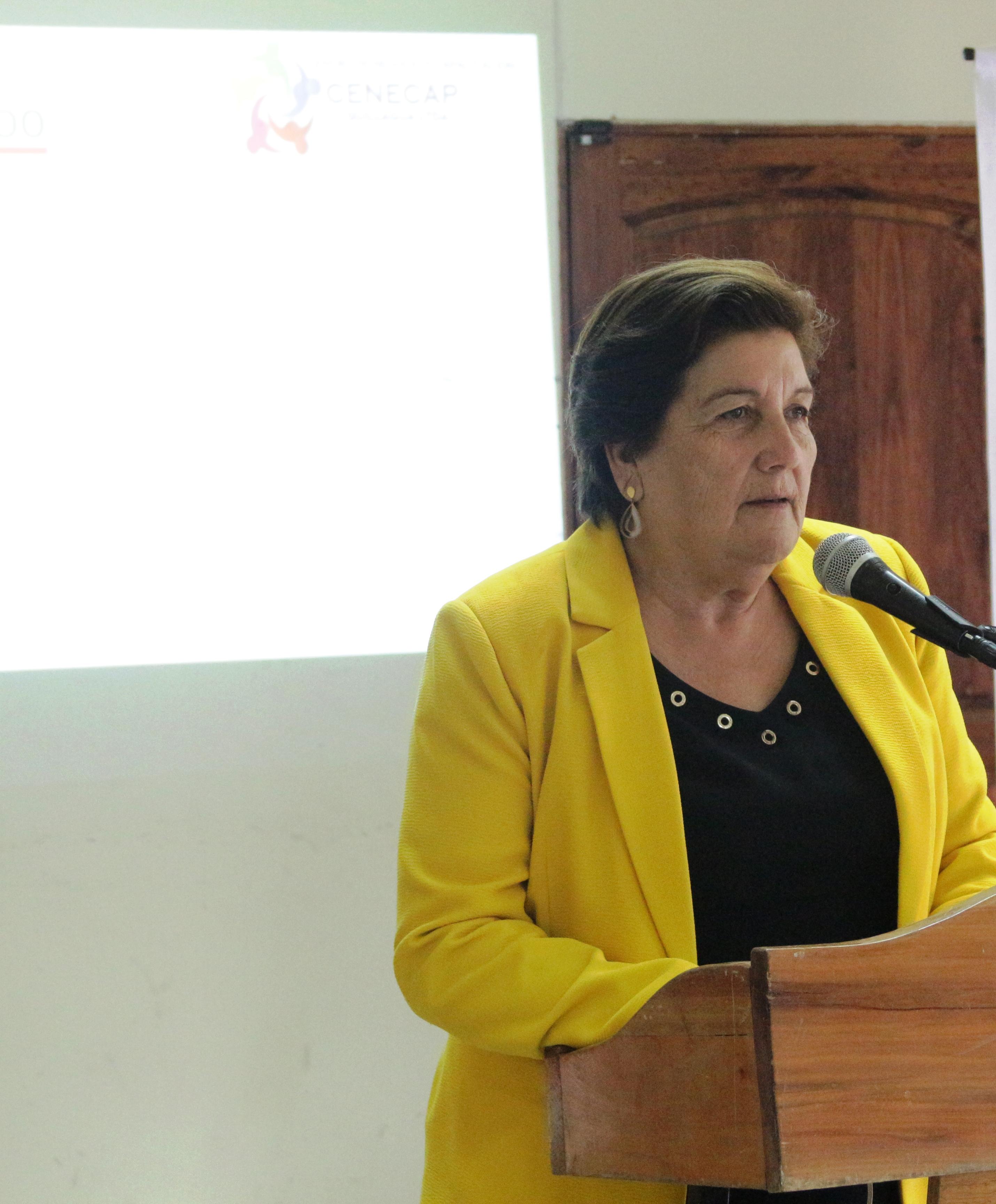 Alcaldesa de Olivar anuncia que vuelta a clases será según las necesidades de las familias